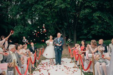 Vintage red wedding ceremony decor