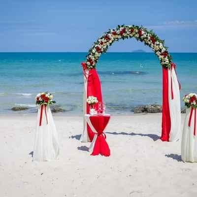 Overseas red wedding ceremony decor