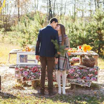 Autumn yellow photo session decor