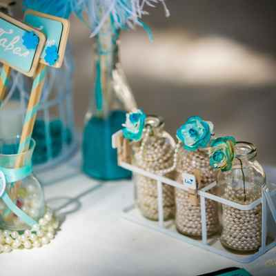 Breakfast at tiffany's blue photo session decor