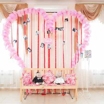 Pink photo session decor