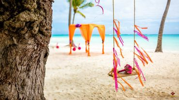Beach orange photo session decor