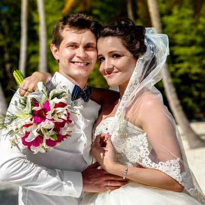 Overseas white orchid wedding bouquet