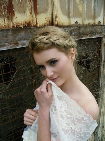 Rustic bridal hair and make-up