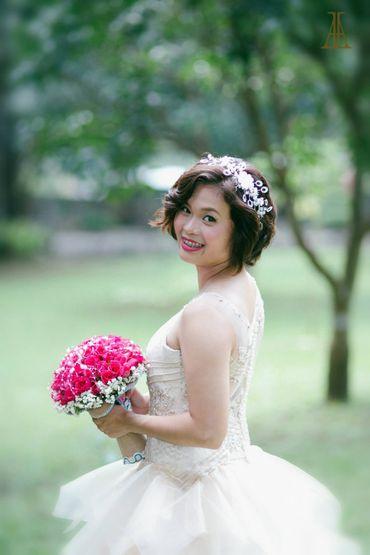 Pink bridal hair and make-up