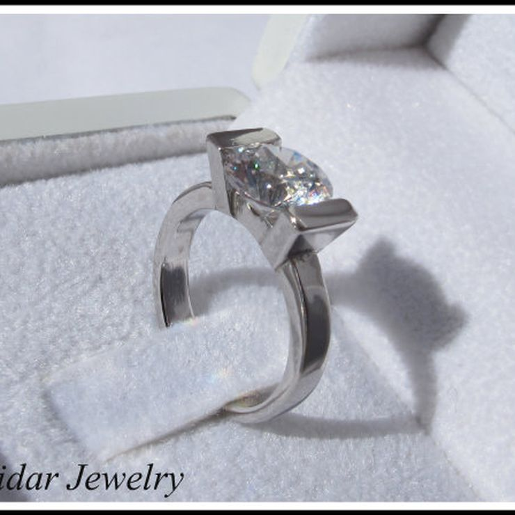 Custom Engagement Rings