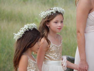 Gold kids at wedding