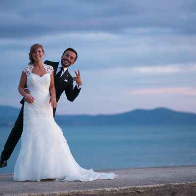 Beach white wedding photo session ideas