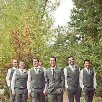 Outdoor autumn grey wedding photo session ideas