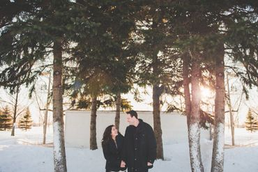 Outdoor winter wedding photo session ideas