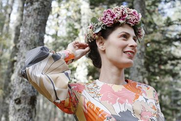 Outdoor pink wedding headpieces, veils, cover-ups & brooches
