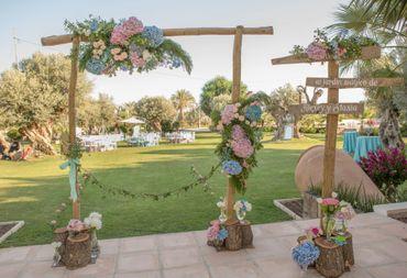 Outdoor blue wedding ceremony decor