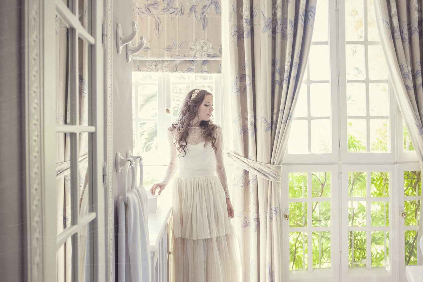 Overseas closed wedding dresses