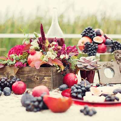 Fruit red wedding photo session decor
