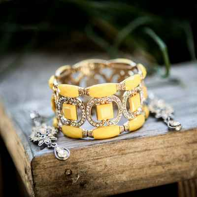 Yellow bracelets, earrings, necklaces & other jewellery