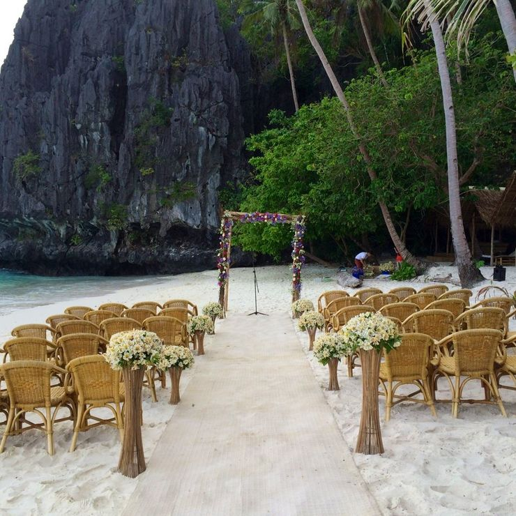 Chris & Jenni : coordination by yours truly during my stint as Events Officer at El Nido Resorts. -M
