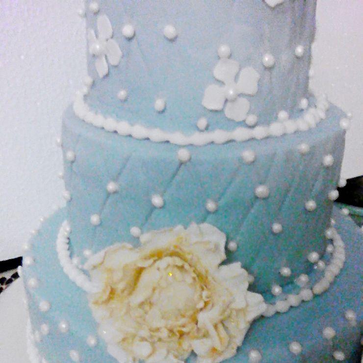 Beautiful tiered pearl cake