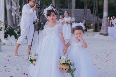Beach kids at wedding
