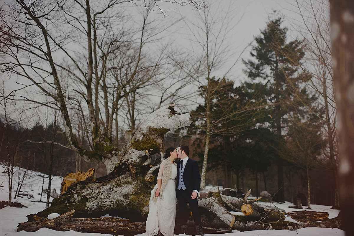 Winter outdoor wedding photo session ideas