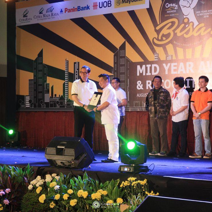 Century 21 Midyear Award 2016