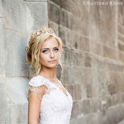 White outdoor long wedding dresses