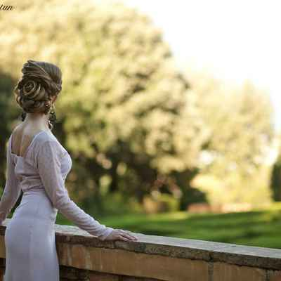 Ivory outdoor open wedding dresses