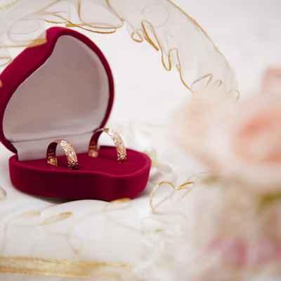 Red wedding ring pillows